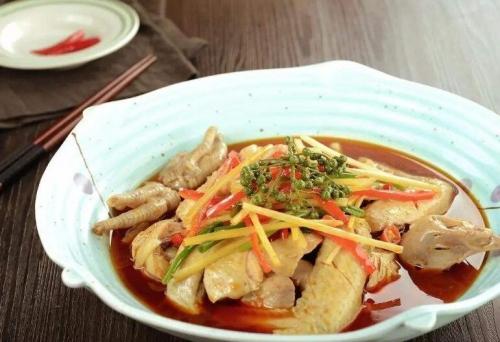 湘菜之光——东安鸡,被列入国宴菜肴的湘菜!