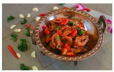 南宁湘菜喜辣,这与丰富的辣椒分不开